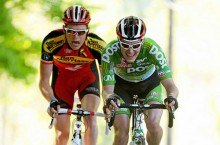 Buggle (left) on the attack with Ronan McLaughlin on stage 7 of the 2011 An Post Ras (Photo: Stephen McCarthy – Sportsfile)