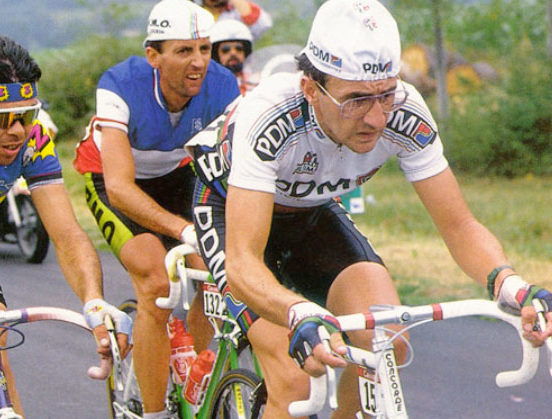 Earley (leading) was overshadowed by Kelly and Roche, but he won very big races and carved out a top pro career for himself