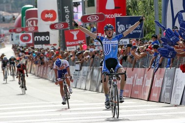 2012_tour_of_portugal_stage7_kai_reus_wins1a