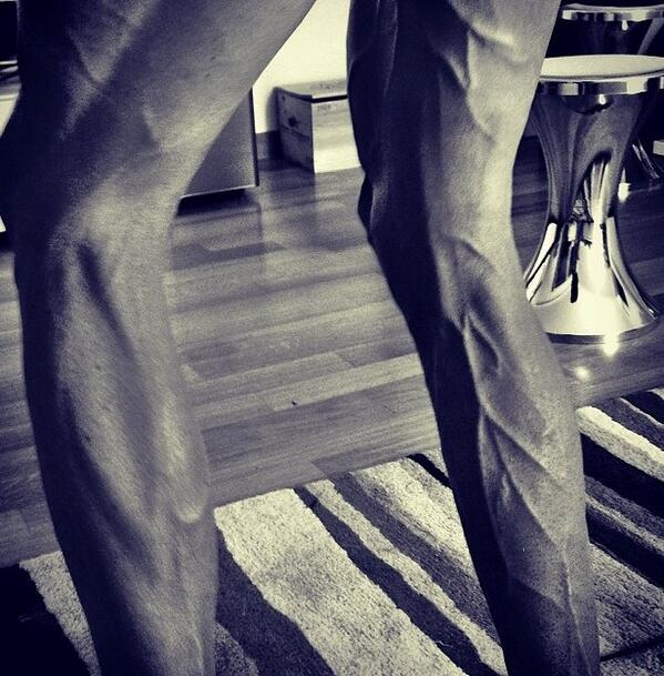 Chris Froome's legs skinny and ripped