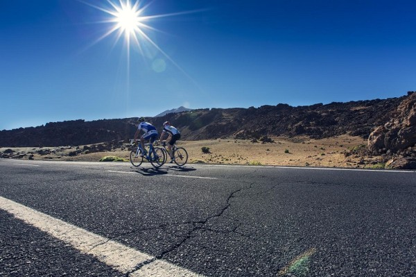Video: Essential tips for cycling in really hot conditions