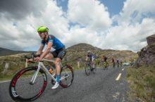 The peloton descend the Ballaghisheen Pass 25/5/2016