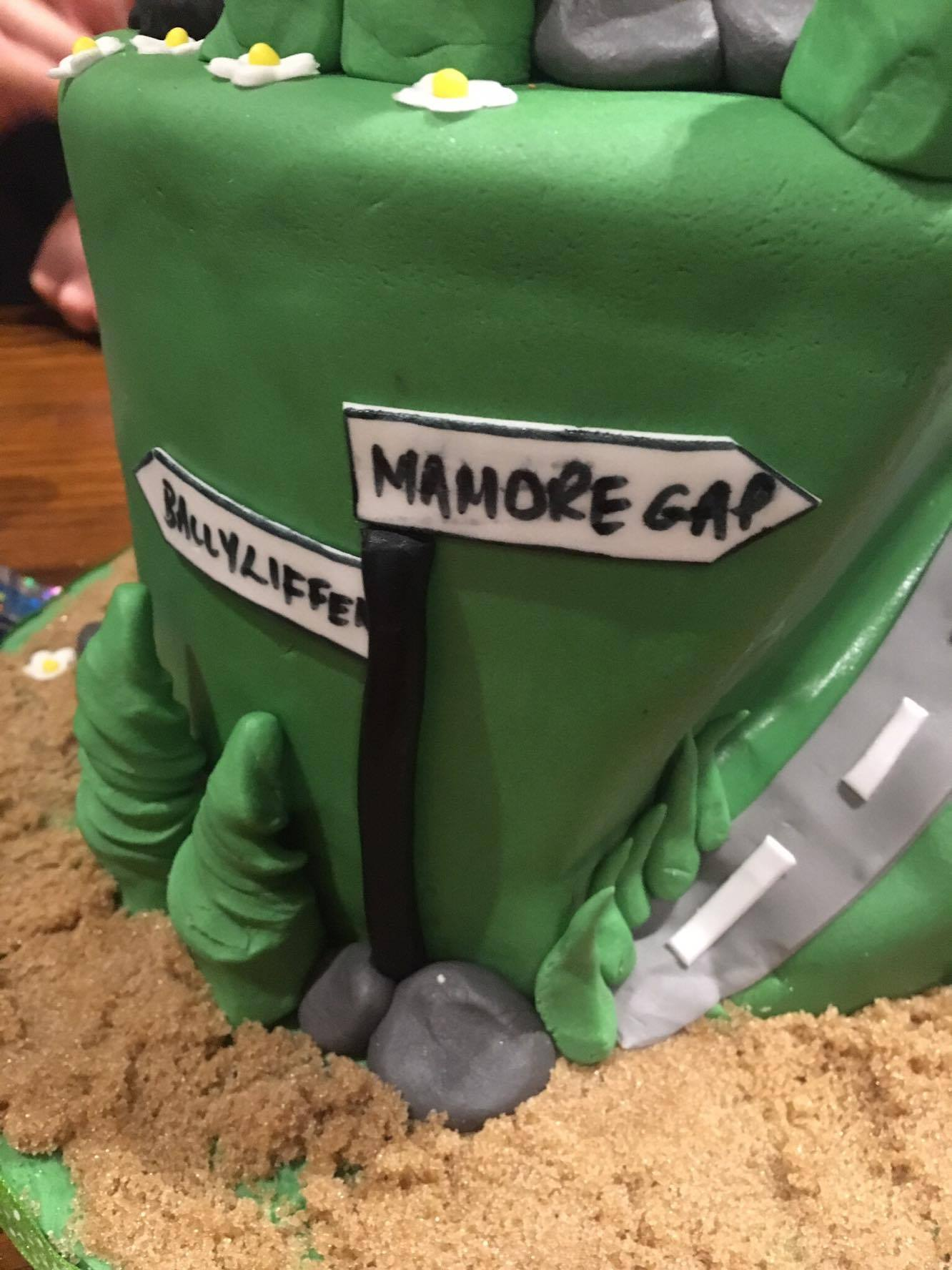 Video Top Irish Riders Cycling Themed Birthday Cake Is Best Ever