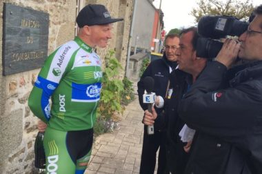 Irish cyclist Damien Shaw TV interview in France, April 2017