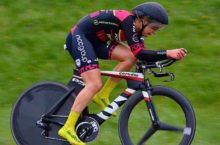 Top tester Eileen Burns storms to blistering 25 mile TT time