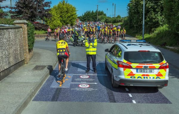 important photo Irish cyclists