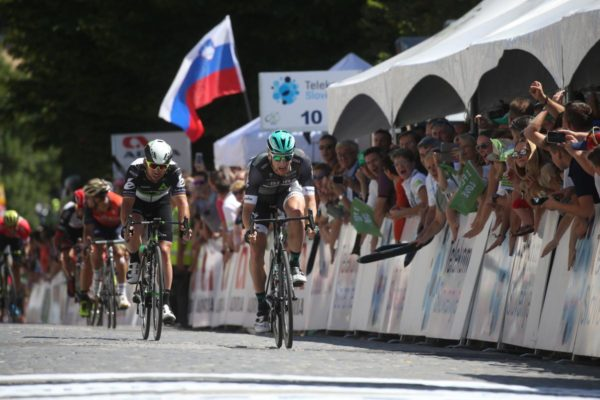 Video: Watch Sam Bennett, Mark Cavendish battle in sprint