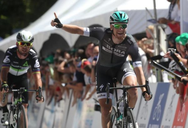 Sam Bennett beats Mark Cavendish in Slovenia