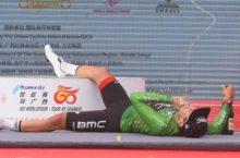 Video Silvan Dillier falls off podium in Guangxi China