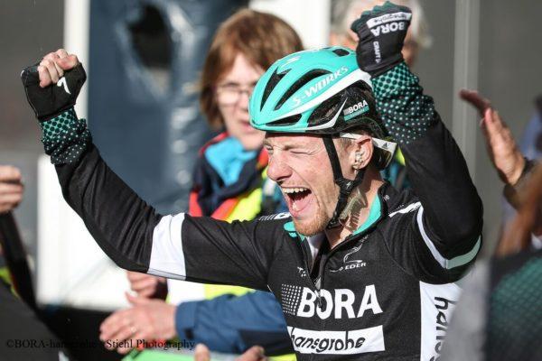 Sam Bennett cycling