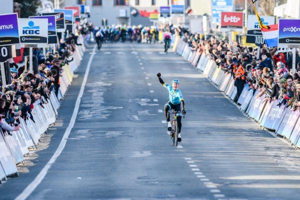 Alexandre Vinokourov Astana rider wages