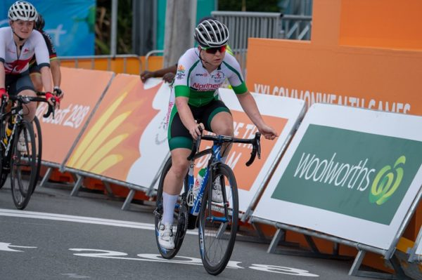 Chloe Hosking wins Commonwealth Games road race gold