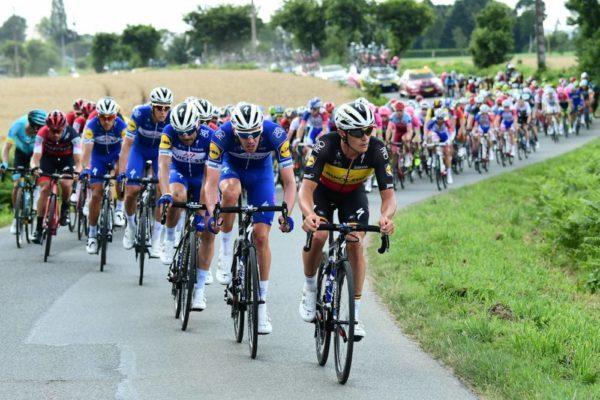 Video Dan Martin wins Tour de France stage 6