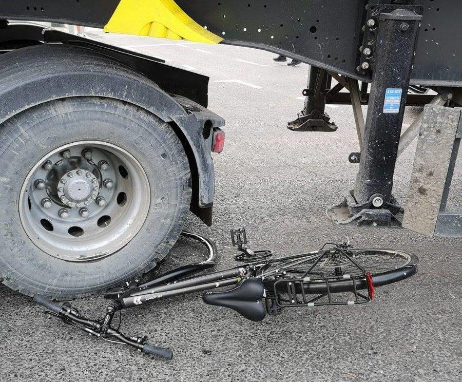 Dublin cyclist crash truck